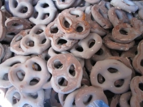 CANDY COATED PRETZELS
